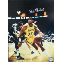 Abdul-Jabbar, Kareem (Los Angeles Lakers) Signed 16x20 Photo (Signed