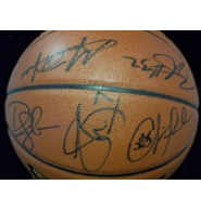 Clippers, Los Angeles (2012-13) Signed Spalding Indoor/Outdoor Basketball by the 2012-13 Los Angeles Clippers Team by: Matt Barnes, Eric Bledsoe, Caron Butler, Willie Green, Blake Griffin, Deandre Jordan, Lamar Odom, Chris Paul, Trey Thompkins and Vinny Del Negro.