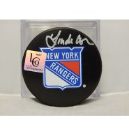 Cohn, Linda Signed Linda Cohn New York Rangers Hockey Puck. Everyone knows that Linda Cohn�s number one team is the NY Rangers. Besides being America�s top sportscaster on SportsCenter and having reached her 5000th milestone show, Linda Cohn is a fan first. Own your Linda Cohn autographed New York Ranger�s hockey puck.