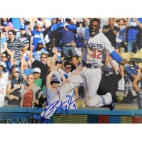 Gordon, Dee (Los Angeles Dodgers) Signed 11x14 Photo.