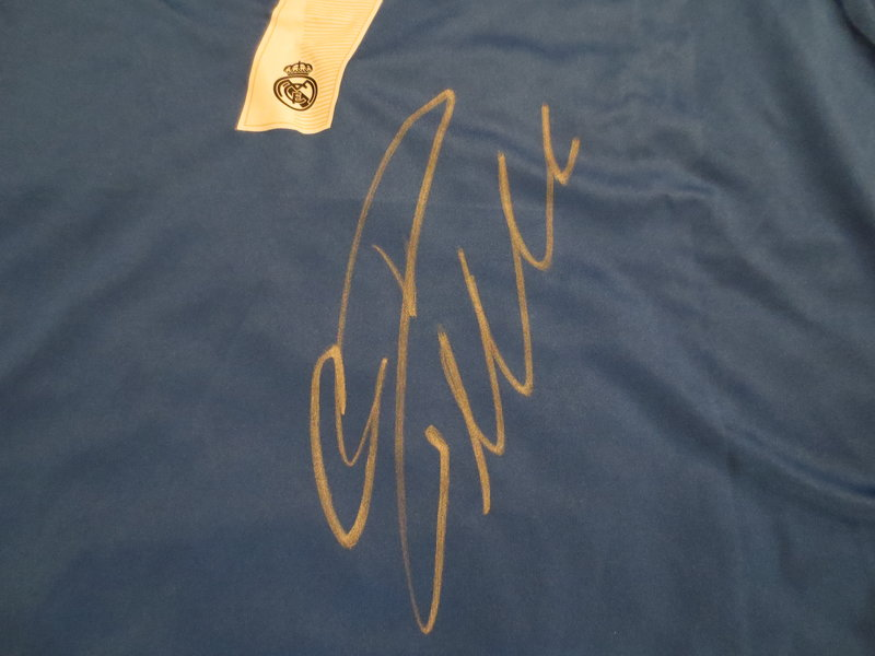 pretty nice c00c1 ba1d3 Cristiano Ronaldo Autographed Real Madrid Jersey from Powers ...